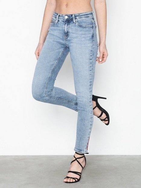 Calvin Klein Jeans 011 Mid Rise Skinny Ankle Skinny