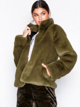 Dry Lake Cozy Collar Jacket Faux Fur