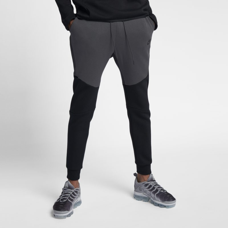 Joggingbyxor Nike Sportswear Tech Fleece för män – Svart